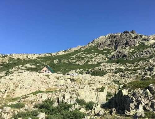 Ravitailler les refuges de Corse sur le GR 20 : Une mission historique de Corse Hélicoptère